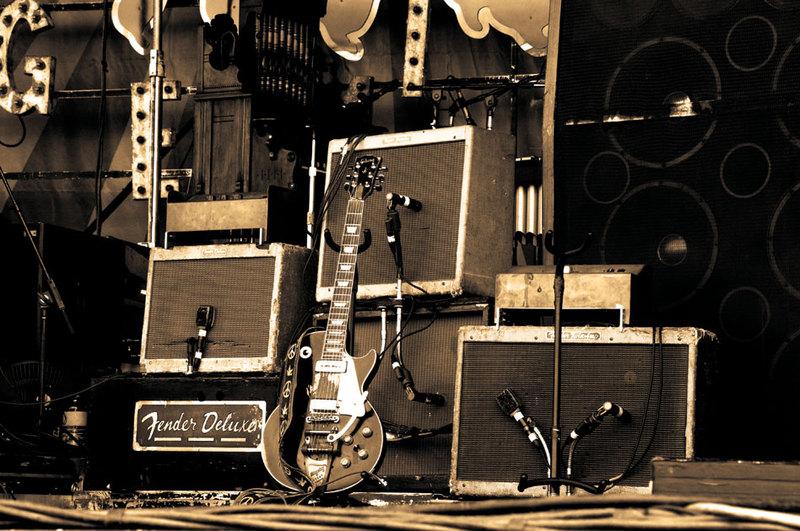 Neil Young NY-NOLA_from-buffalo.jp_4neilampssepia